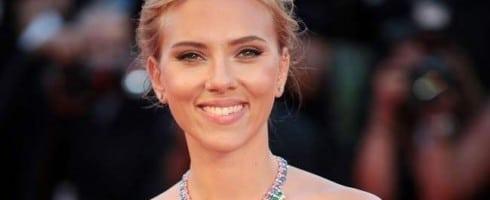 Scarlett-Johansson-490x200