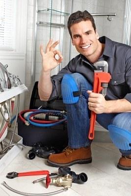 Pourquoi faire appel à un plombier pour le débouchage de votre évier ?
