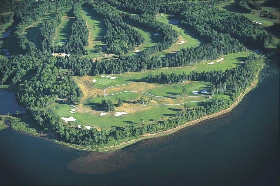 Faire un voyage de golf au Canada
