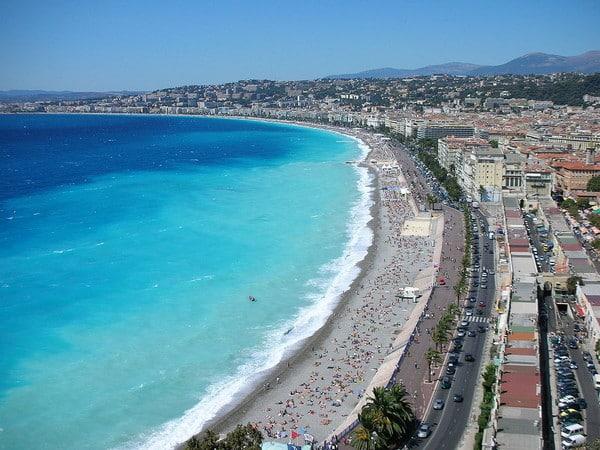 Côte d'Azur ou Bretagne, où passer ses vacances d'été ?