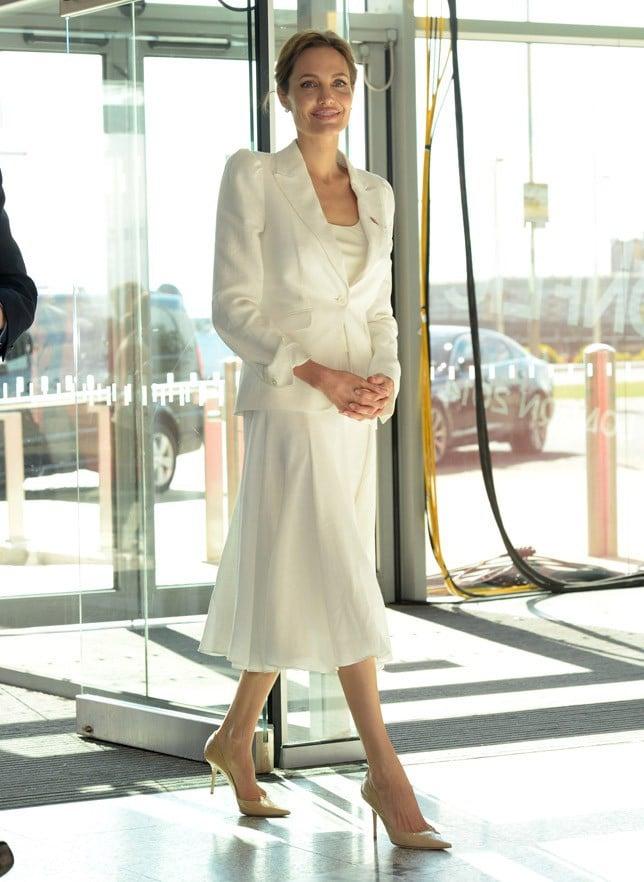Angelina Jolie en tenue blanche à Londre