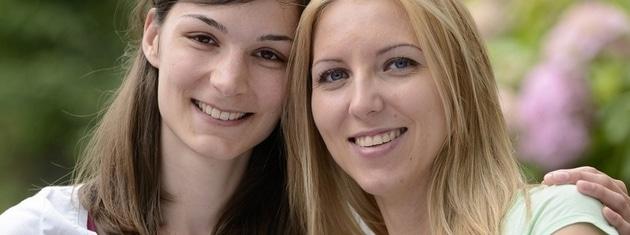 Déroulement d'une rencontre lesbienne sur un service virtuel