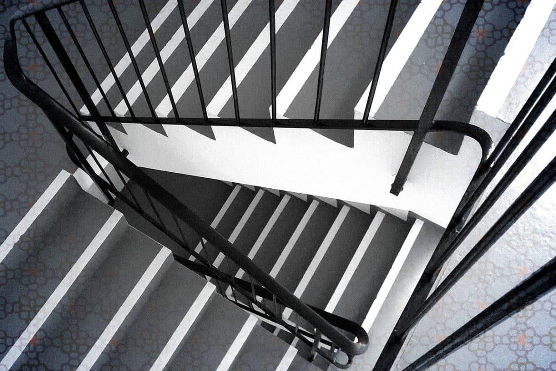 les garde corps en aluminium une r sistance toute preuve. Black Bedroom Furniture Sets. Home Design Ideas