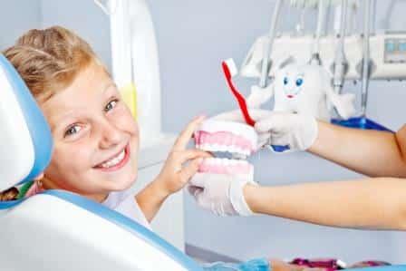 Comment rendre le dentiste plus agréable pour son enfant ?