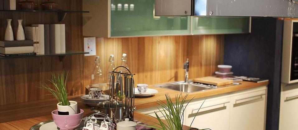 quelle cr dence de cuisine choisir. Black Bedroom Furniture Sets. Home Design Ideas