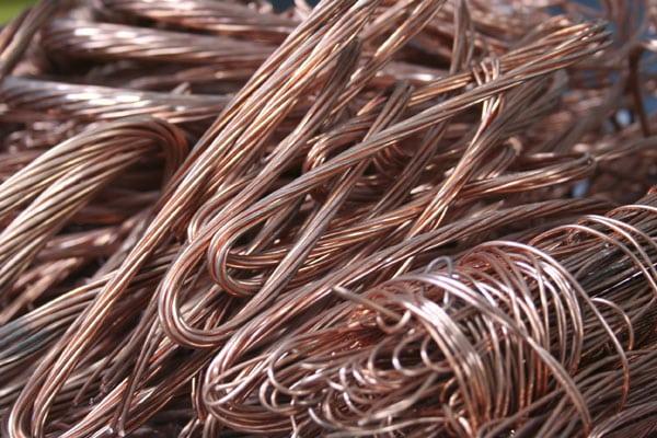 Vendre ou investir dans le cuivre, découvrez son prix en bourse ou chez le ferrailleur