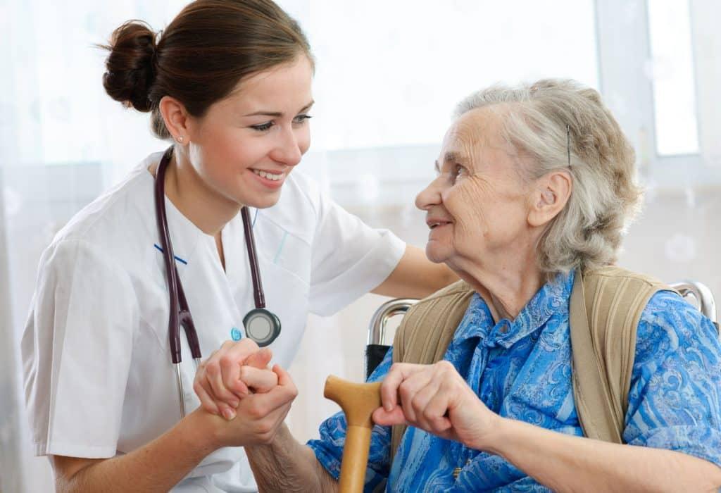 La solution vis-à-vis de la perte d'autonomie des personnes âgées.