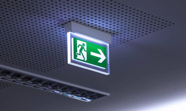 Pourquoi les portes coupe-feu restent-elles indispensables en entreprise ?
