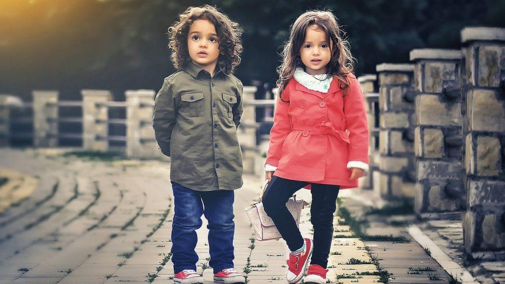 Quand la garde-robe de nos enfants doit changer constamment