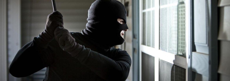 Un voleur en tentative d'effraction