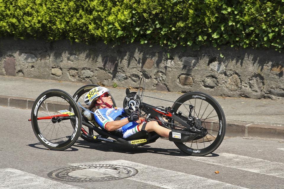 Le fauteuil roulant électrique dans le sport