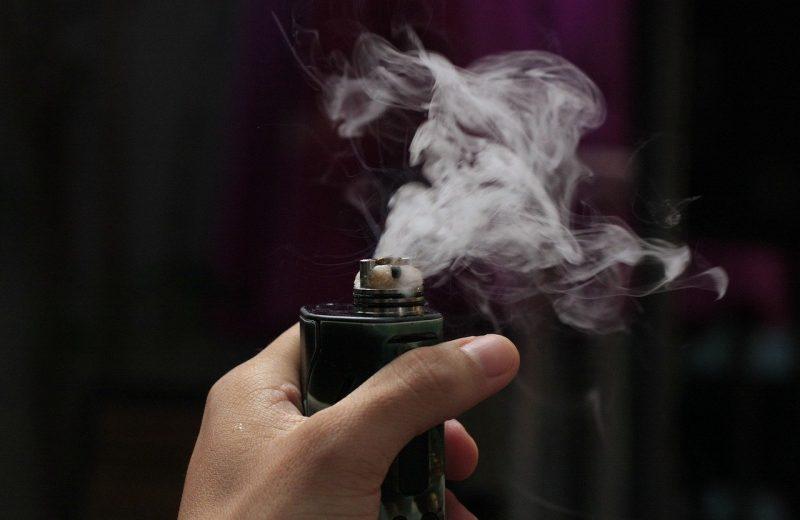 La cigarette électronique aide t-elle à arrêter de fumer ?