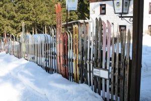 Stockage affaires de ski