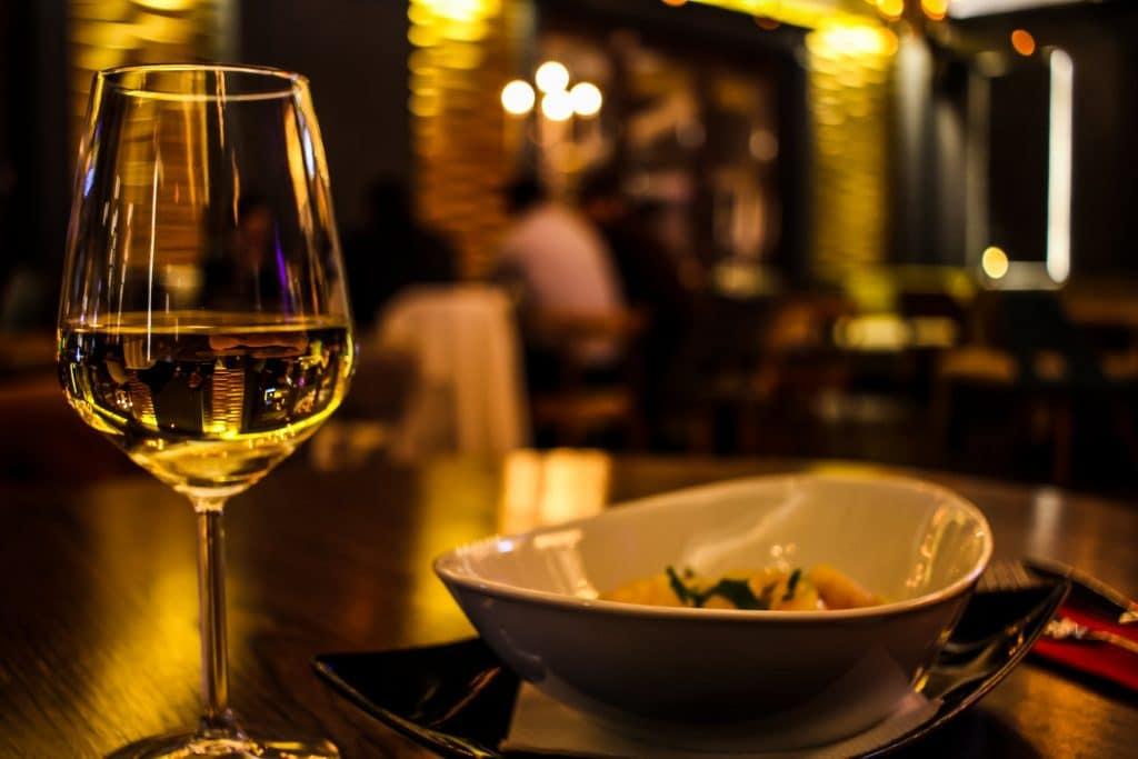 Vin sulfites très raisonnés et le vignoble au fil des saisons