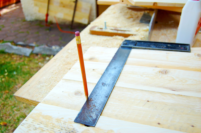 faire appel un menuisier pour la construction de sa maison. Black Bedroom Furniture Sets. Home Design Ideas